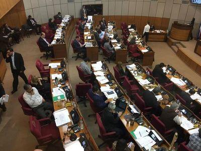 Senado ome'êma media sanción léi aravo escalonado-pe