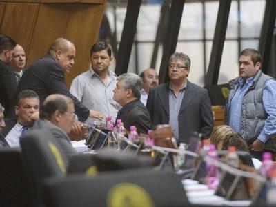 """Legisladores ratifican que Cámara de Diputados es """"de la vergüenza"""""""