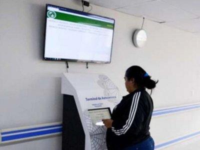 IPS habilita máquinas para confirmar citas en la central