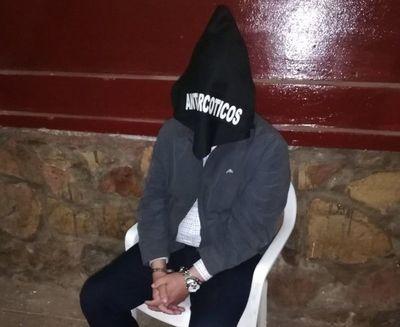Detienen a ex cónsul paraguayo con marihuana