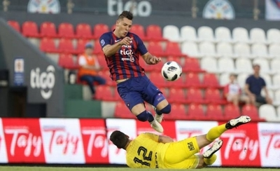 HOY / Socia comercial del gerente de Cerro estafó a los jugadores