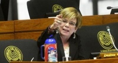 Senadora denuncia intención de trancar ley de adopciones