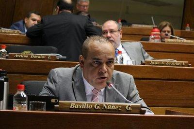 """Bachi Núñez: """"Senado presume de ser la cámara de la dignidad pero tiene a 3 miembros truchos"""""""