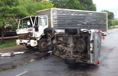 Grave accidente ocasiona vehiculo del diputado colorado Bachi Núñez