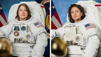 Dos mujeres realizan por primera vez una caminata espacial juntas