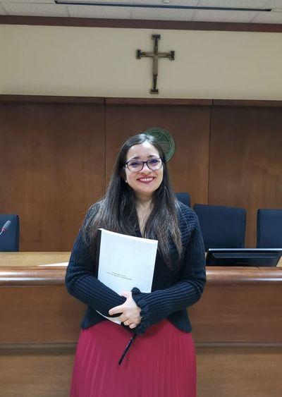 Con una tesis sobre la impotencia femenina, se recibió de doctora en derecho canónico la primera paraguaya