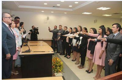 Ministra Peña tomó juramento a abogados en PJC