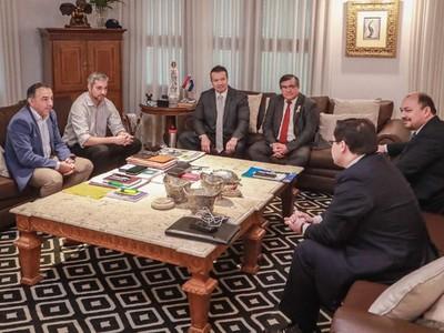 'Yo le digo a esta gente, que dejen trabajar tranquilo al presidente Mario Abdo', pide Fúster