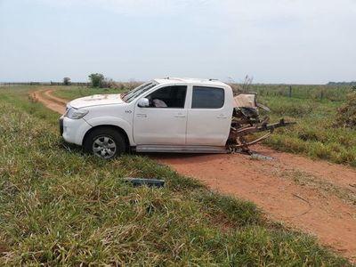 Detonan bomba y destrozan camioneta en una estancia en Horqueta