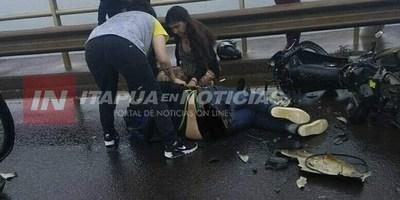 ACCIDENTE EN PUENTE INTERNACIONAL DEJA MOTOCICLISTA HERIDO