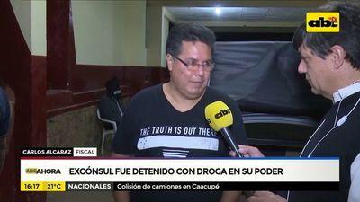 Excónsul fue detenido con droga en su poder