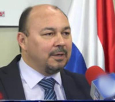 Director de Aduanas dice que hay funcionarios cazafortunas