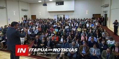 PANEL SOBRE POLÍTICA EDUCATIVA SE DESARROLLÓ EN LA GOBERNACIÓN DE ITAPÚA