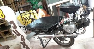 Estudiantes inventan carretilla motorizada