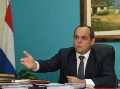 Contralor urge a la Justicia declarar pública información de autoridades y funcionarios