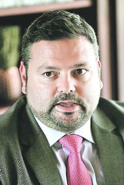 Corte archiva acción indemnizatoria del escribano  Fernández Zaván