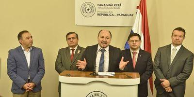 Presidente pide tope a  cuestionadas  multas en  Aduanas y Tributación