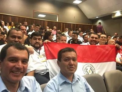 Bomberos Voluntarios de Encarnación se especializaron en Medellin, Colombia.