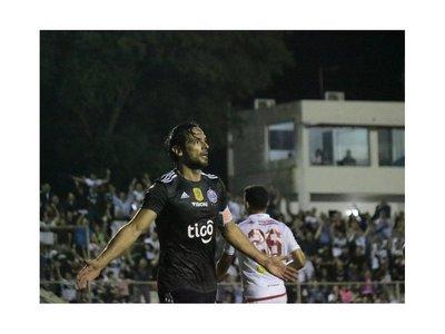 Olimpia vence al Kelito y sigue cómodo líder del Clausura