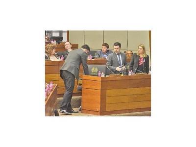 Congreso genera inseguridad jurídica, admite diputada