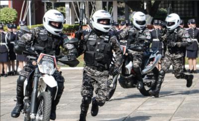"""HOY / Euclides promete renovar moral del Grupo Lince para """"reprimir"""" a motochorros"""