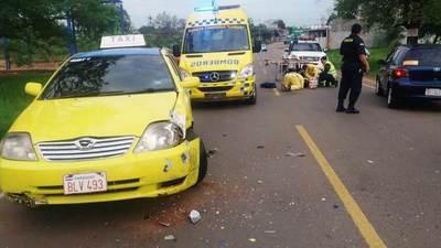 Motociclista sufre grave accidente en Maramburé •