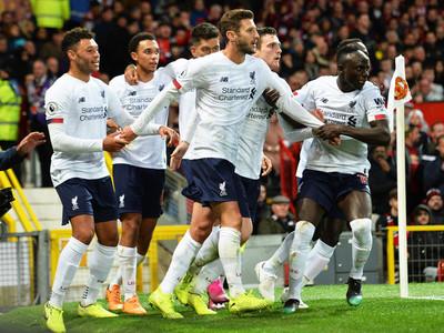 Liverpool rescata un punto de Old Trafford, sobre la hora
