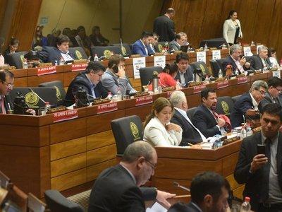 Abusos de legisladores provocan a un levantamiento, según analistas