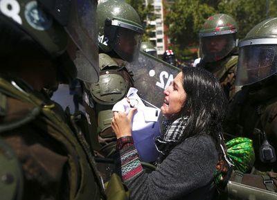 Rabia social estalla en Chile con al menos tres muertos