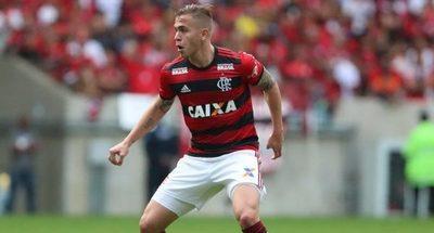 Con Piris Da Motta de titular, Flamengo vence a Fluminense