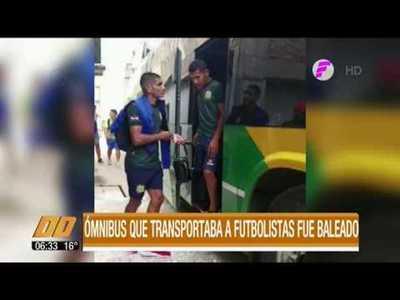 Ómnibus que llevaba a futbolistas fue baleado
