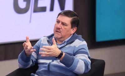 HOY / Llano pide esperar informe de comisión para hablar de juicio político