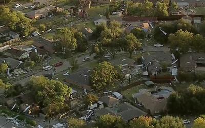 Potente tornado causó destrozos en Dallas