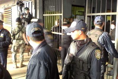 Guardiacárceles mantienen anuncio de huelga mientras gobierno intenta destrabar