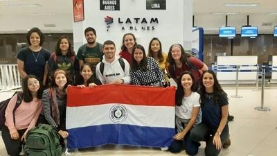 HOY / Estudiantes paraguayos en  medio de violencia en Chile: con  poca comida, sin poder regresar