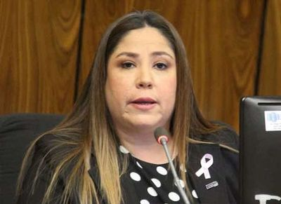 Senador insta a pedir informe sobre supuestas irregularidades en Petropar