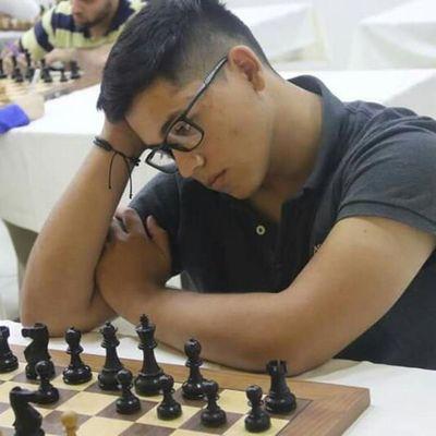 Astucia y rapidez mental, cualidades de un joven campeón de ajedrez