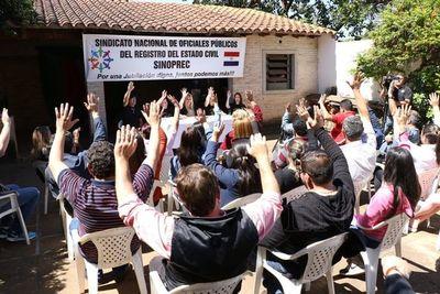 Funcionarios del Registro Civil también anuncian huelga por treinta días