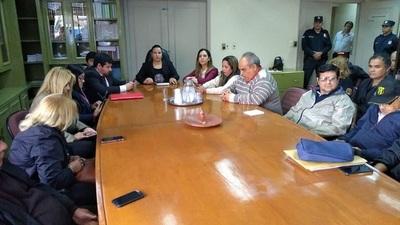 Funcionarios del Registro Civil anuncian huelga