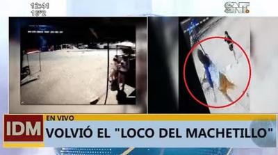 """""""El loco del machetillo"""" destruye cámara de comercio del Mercado 4"""