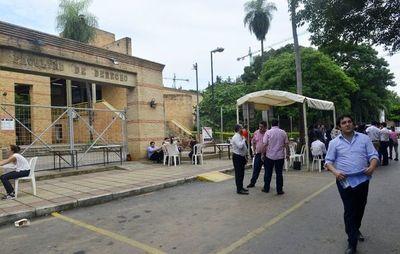 Fiscalía recabó informes sobre presunto acoso en Facultad de Derecho UNA