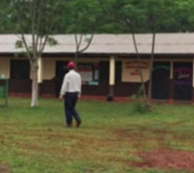 Roban escuela en Itapuá