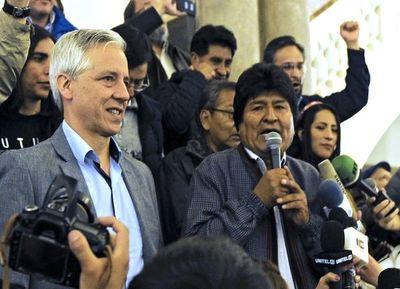 En cuestionado final, gana Morales y protesta Bolivia