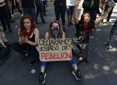Chile se incendia en un levantamiento popular