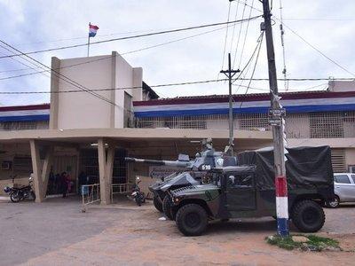 Los guardiacárceles  suspenden la  huelga por un amparo constitucional