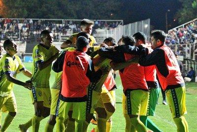 Deportivo Capiatá se alzó con el triunfo Deportivo Santaní