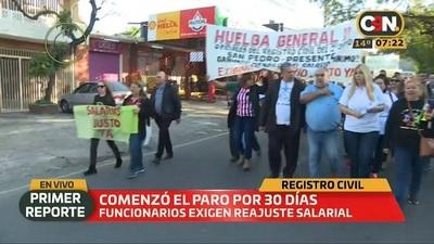 Funcionarios del Registro Civil inicial huelga de 30 días