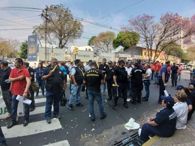 Guardiacárceles acatan orden judicial, pero anuncian apelación