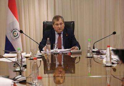 Presidente de la CSJ saluda a funcionarios judiciales en su día