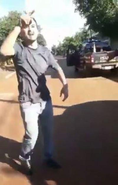 Escrachan a Mario Abdo en Hernandarias